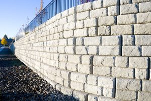 retaining-wall-cleaning
