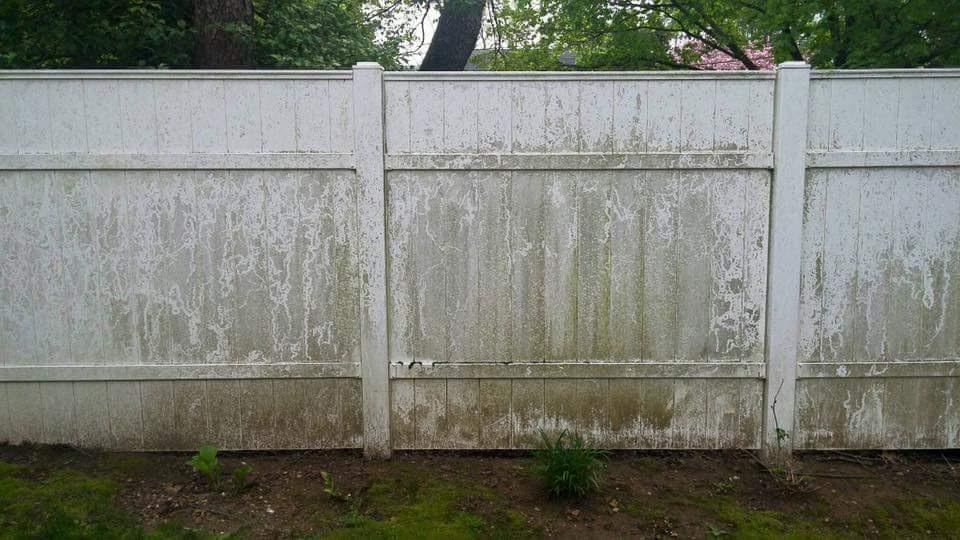 fence-power-washing-before